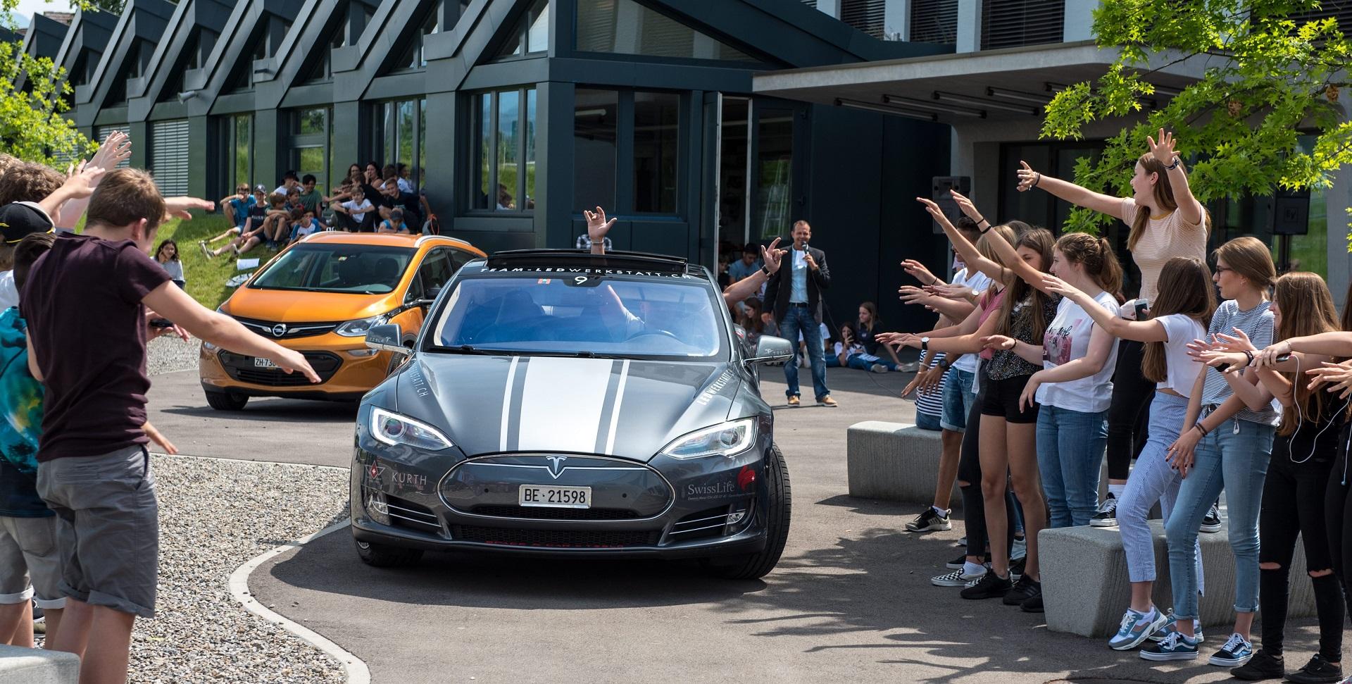E-Charger, Ladestation, Supercharger, Tesla, Elektro mobilität